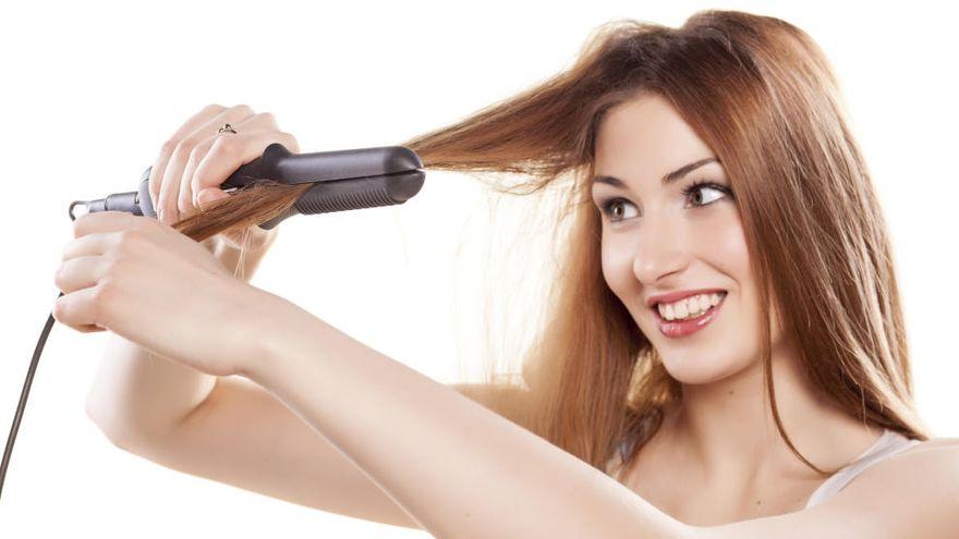 7 consejos para usar la plancha sin maltratar tu cabello todos los días.