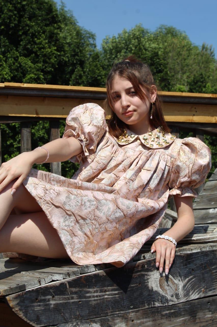 Editorial Vestido de diseñadora de moda Elvia Cruz
