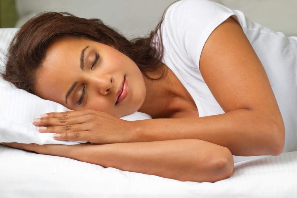 Cosas que debes hacer antes de irte a la cama para que luzcas perfecta a la mañana siguiente