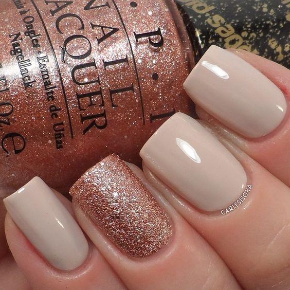 Diseños de uñas en tonos neutrales; son un toque elegante y combinan con TODO.